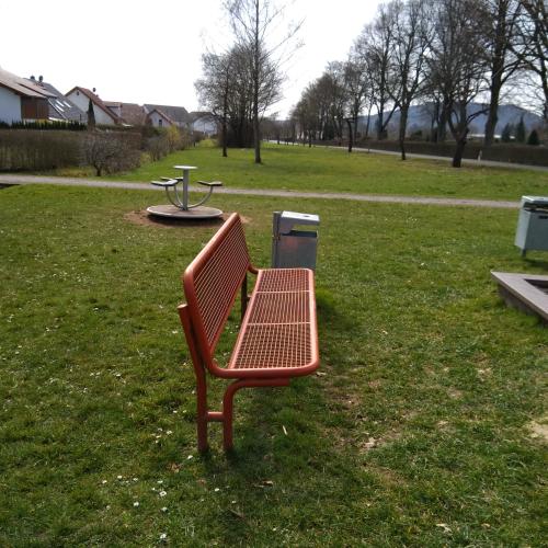 Bild 2: Am Friedhof