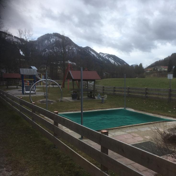 Bild 1: Am Schwimmbad
