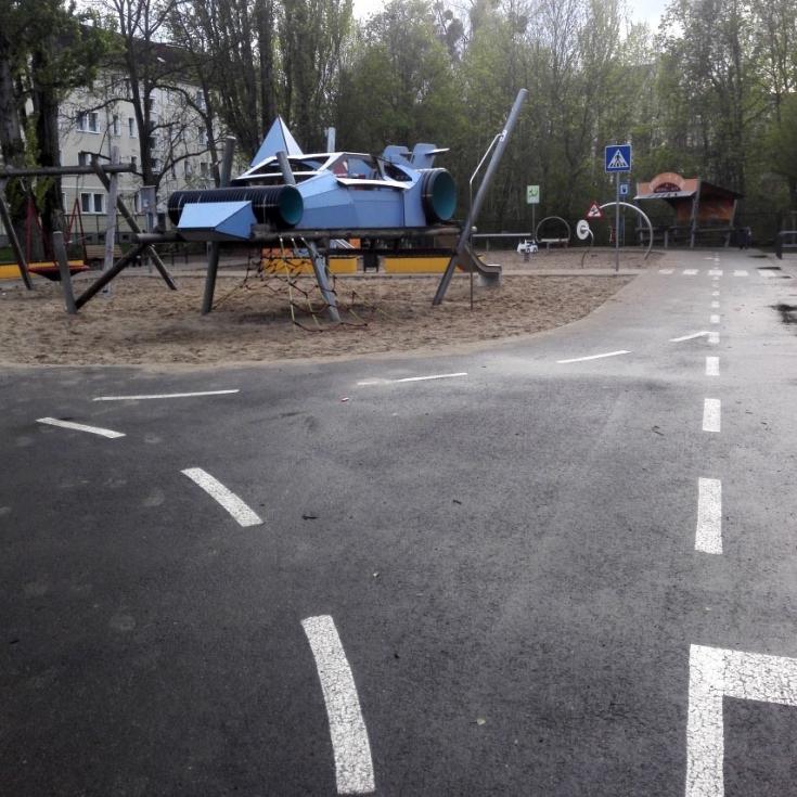 Bild 3: Autospielplatz