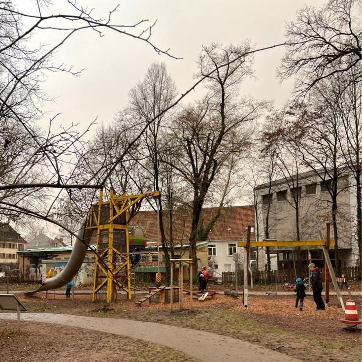 Bild 4: Baustellen-Spielplatz