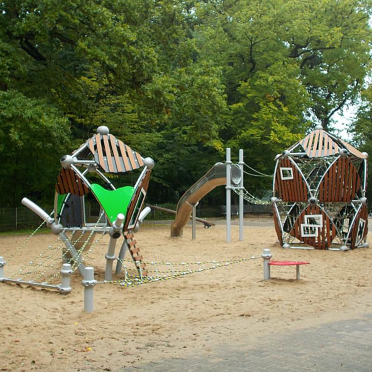 Bild 2: Spielplatz Burg Wissem