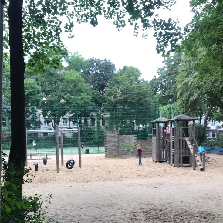 Bild 12: De-Noel-Platz
