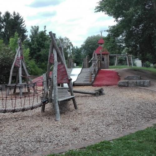 Bild 1: Erlebnis-Spielplatz