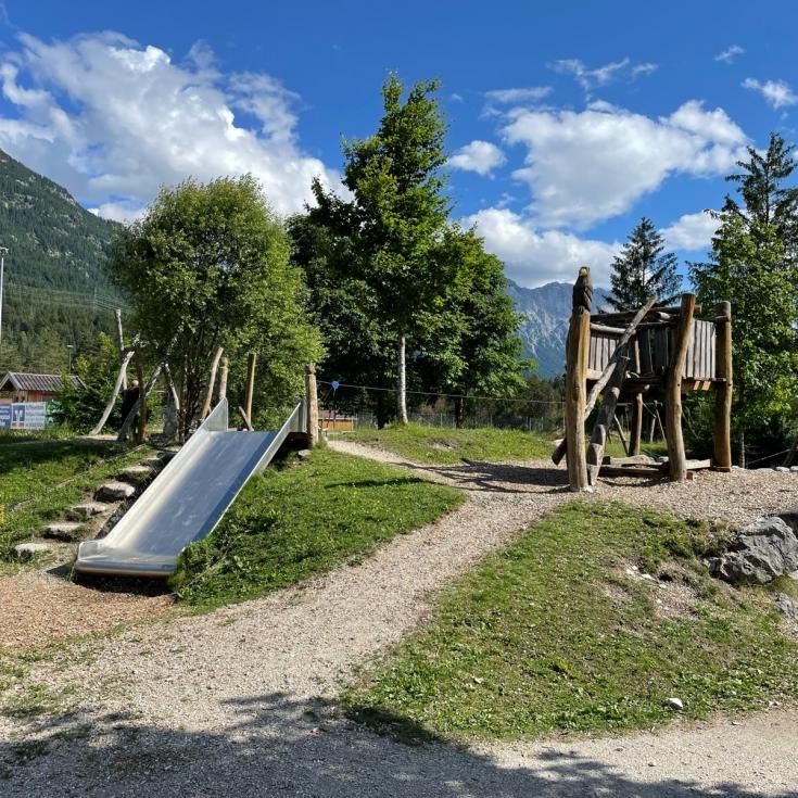 Bild 2: Flösserspielplatz