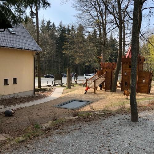 Bild 2: Greifensteinstraße