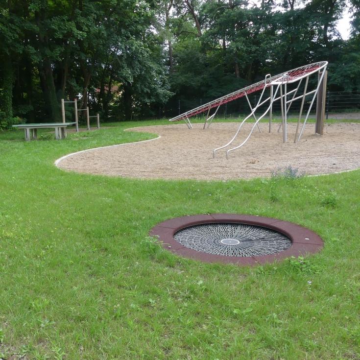 Bild 3: Jugendplatz