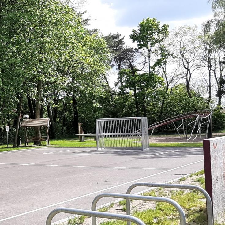 Bild 1: Jugendplatz