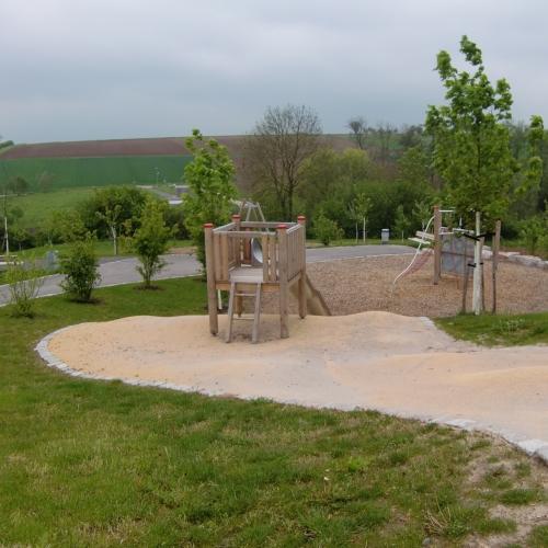 Bild 3: Kinderspielplatz Maihalde II