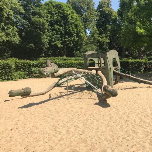 Bild 4: Von-der-Schulenburg-Park