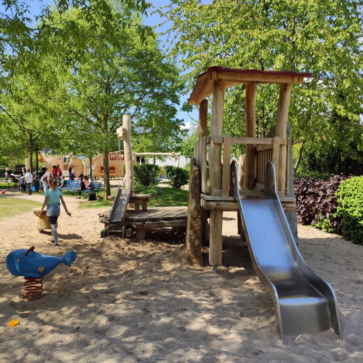Bild 4: Piratenspielplatz