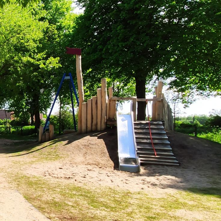 Bild 5: Piratenspielplatz
