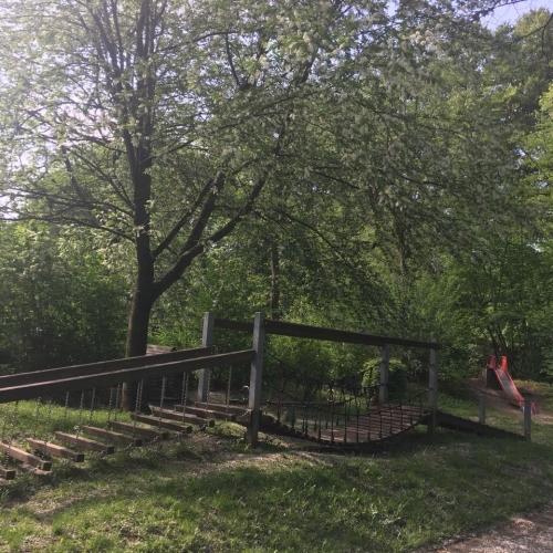 Bild 3: Platanenweg