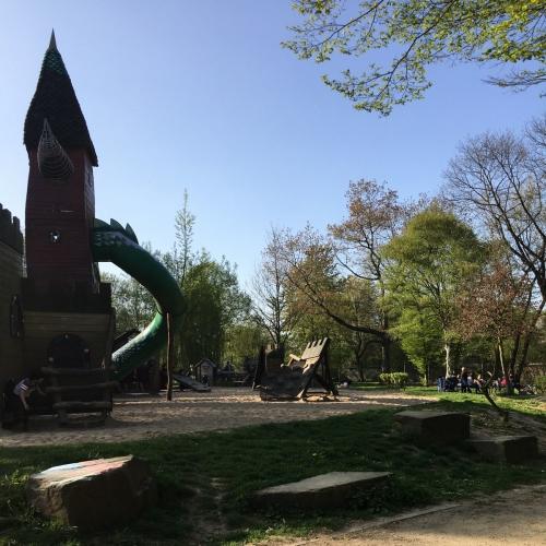 Bild 1: Ritterspielplatz