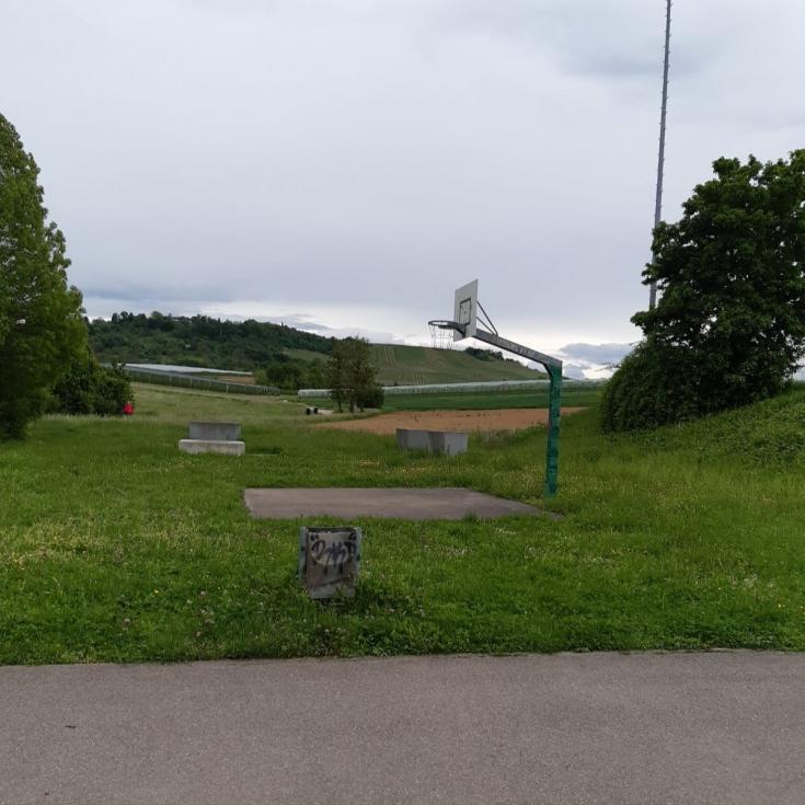 Bild 2: Skateanlage