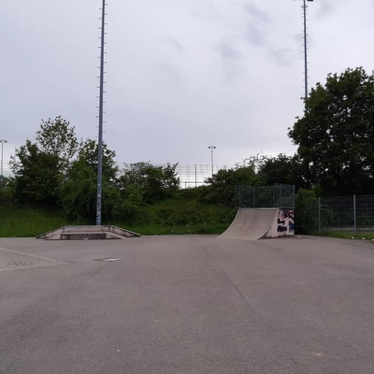 Bild 3: Skateanlage