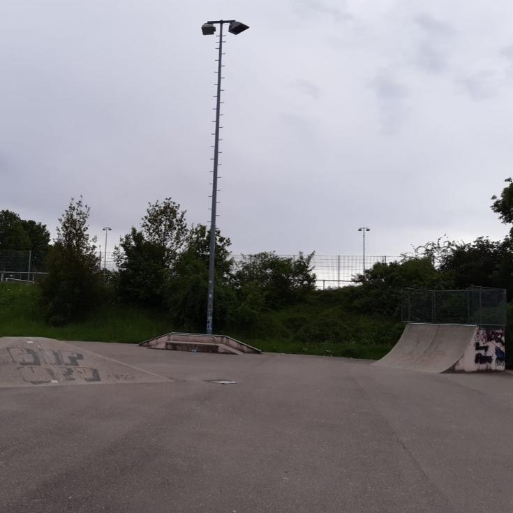 Bild 4: Skateanlage