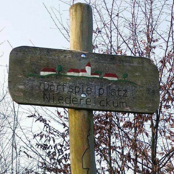 Bild 10: Spiel- und Bolzplatz Dorfspielplatz Niedereickum