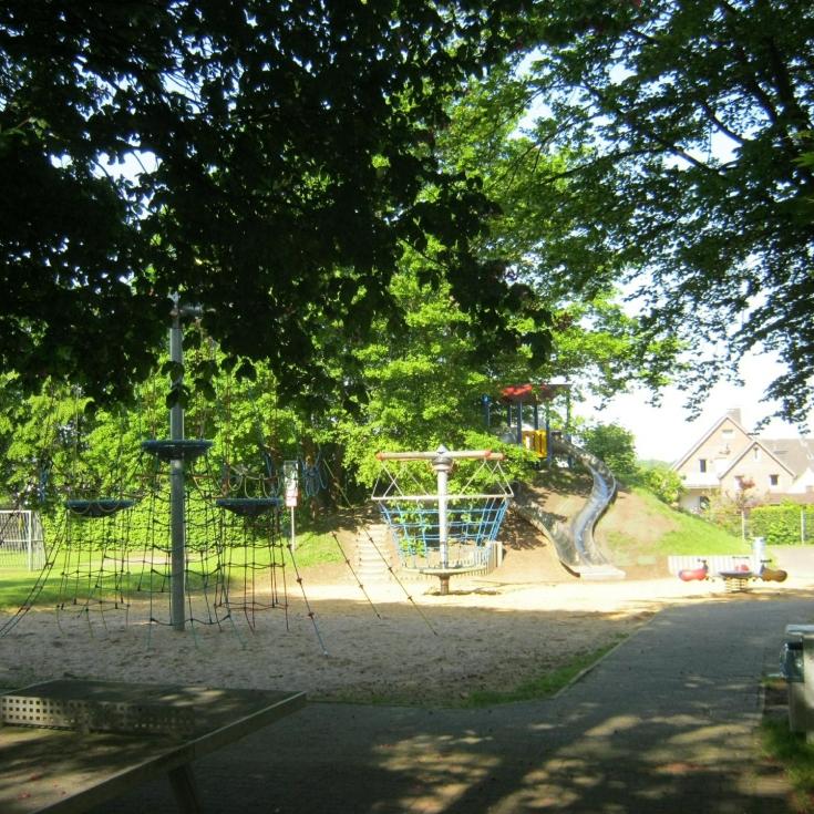 Bild 6: Spiel- und Bolzplatz Ottelau