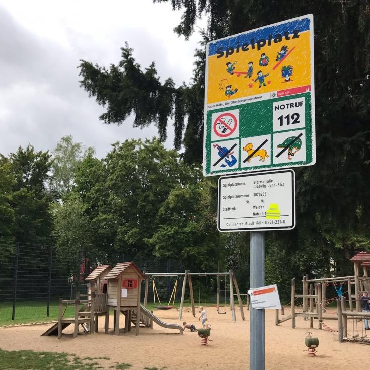 Bild 4: Spiel- und Bolzplatz Stormstraße