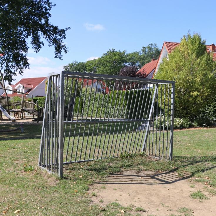 Bild 12: Spiel- und Bolzplatz Waldfrieden