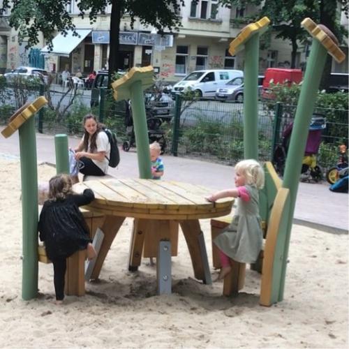 Bild 3: Spielplatz am Körner Park / Schierker Straße