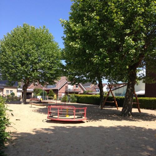 Bild 3: Spielplatz Am Schwarzen Graben