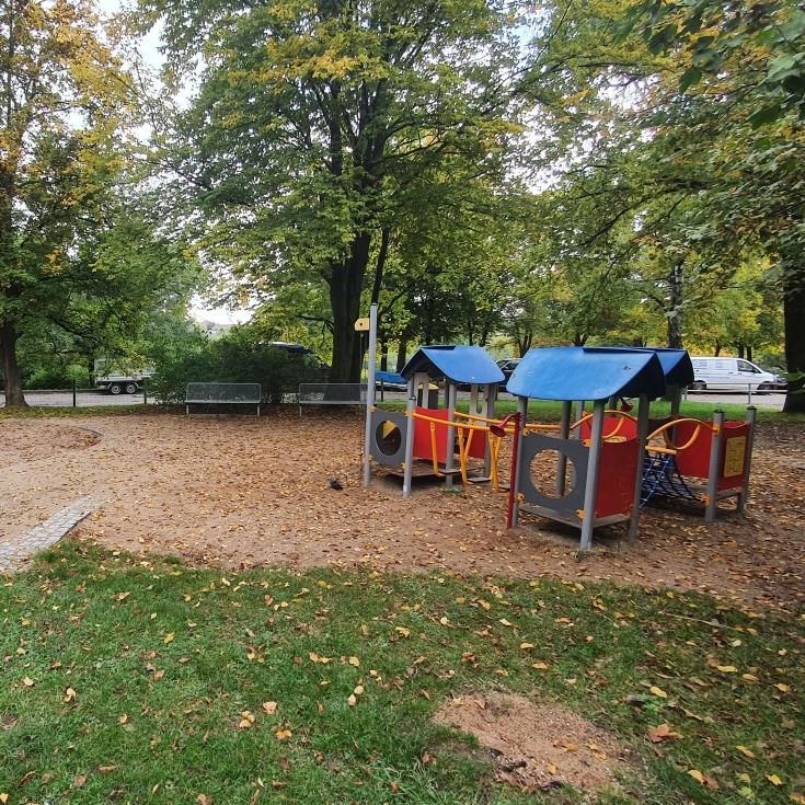 Bild 3: Spielplatz am Solferinoweg im Fasanenhof