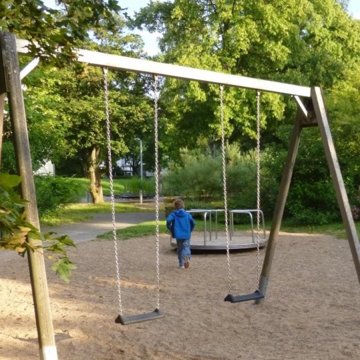 Bild 8: Spielplatz am Solferinoweg im Fasanenhof