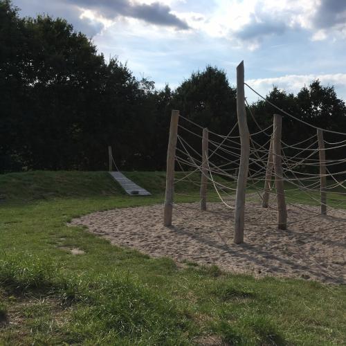 Bild 1: Spielplatz am Walderlebnispfad Aukrug