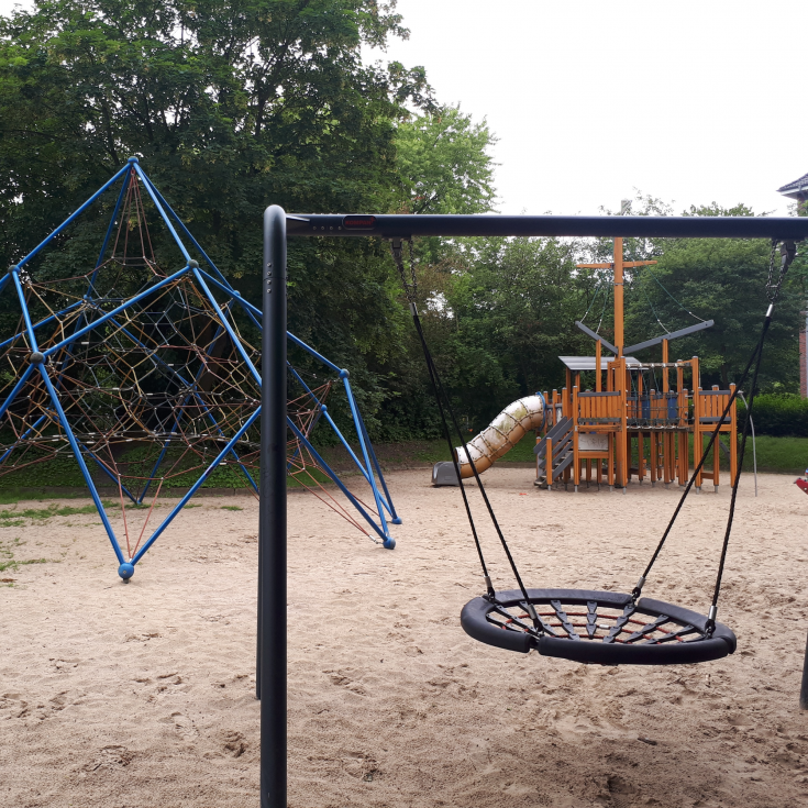 Bild 1: Spielplatz an der Deichbrücke