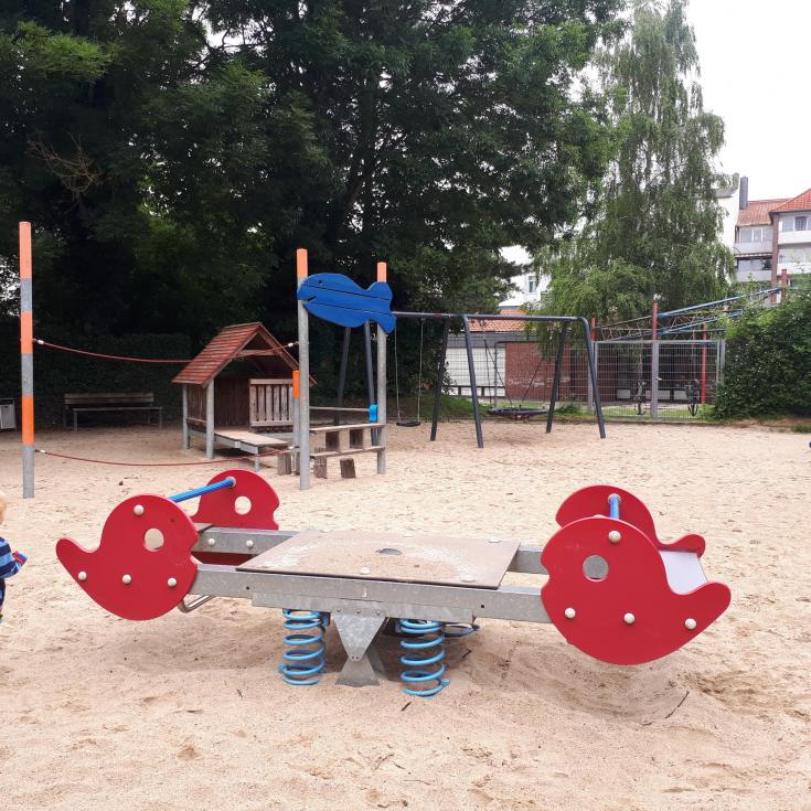 Bild 2: Spielplatz an der Deichbrücke