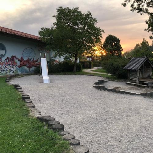 Bild 3: Spielplatz an der Traun