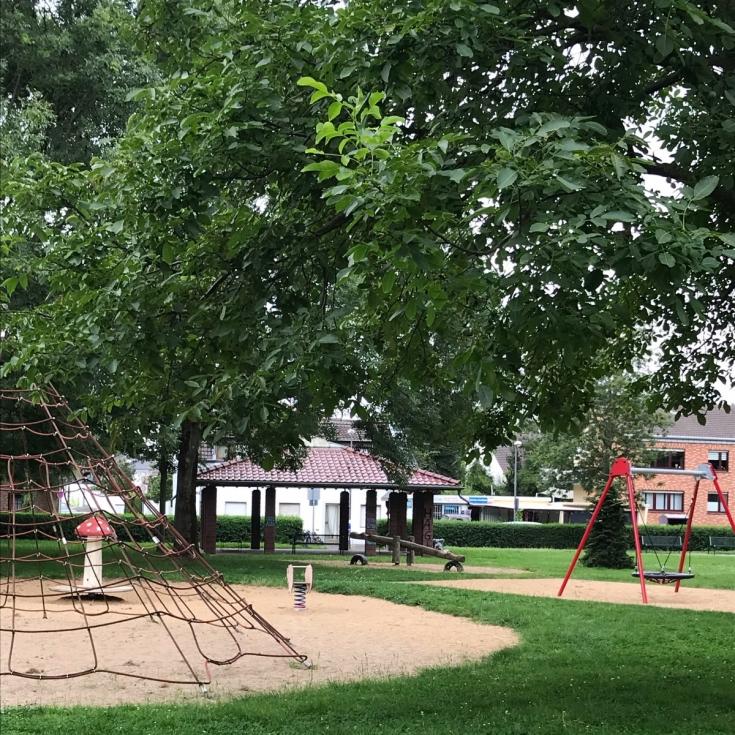 Bild 5: Spielplatz Auweiler Dorfplatz