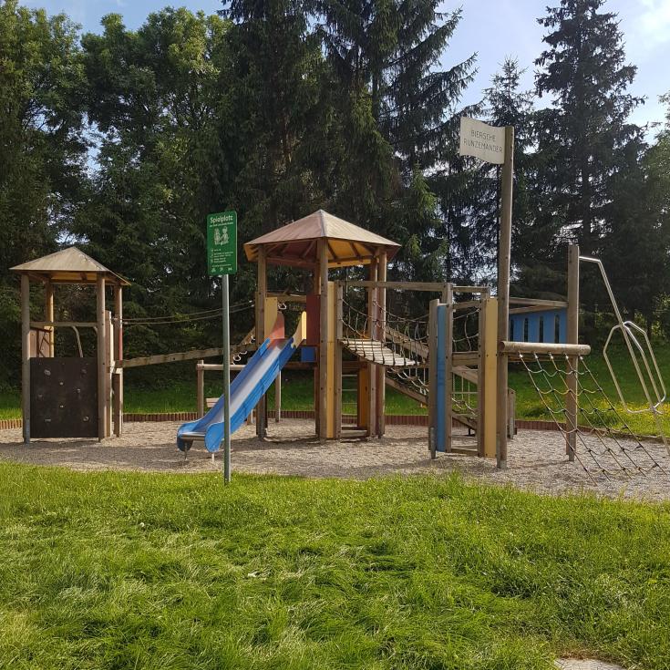 Bild 1: Spielplatz Beuern