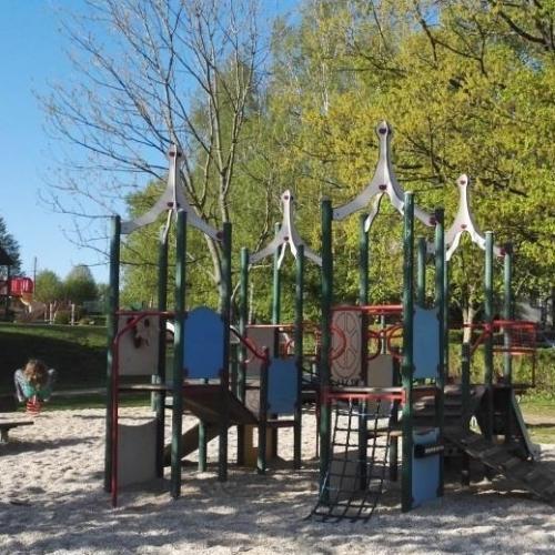 Bild 7: Spielplatz Griesbacher Hang