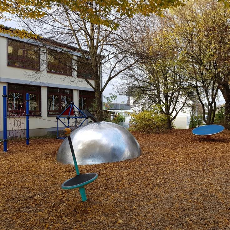 Bild 2: Spielplatz Grundschule Suttrop
