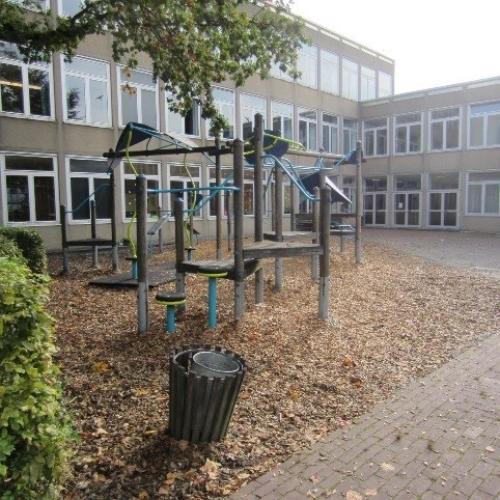 Bild 2: Spielplatz Gymnasium Warstein