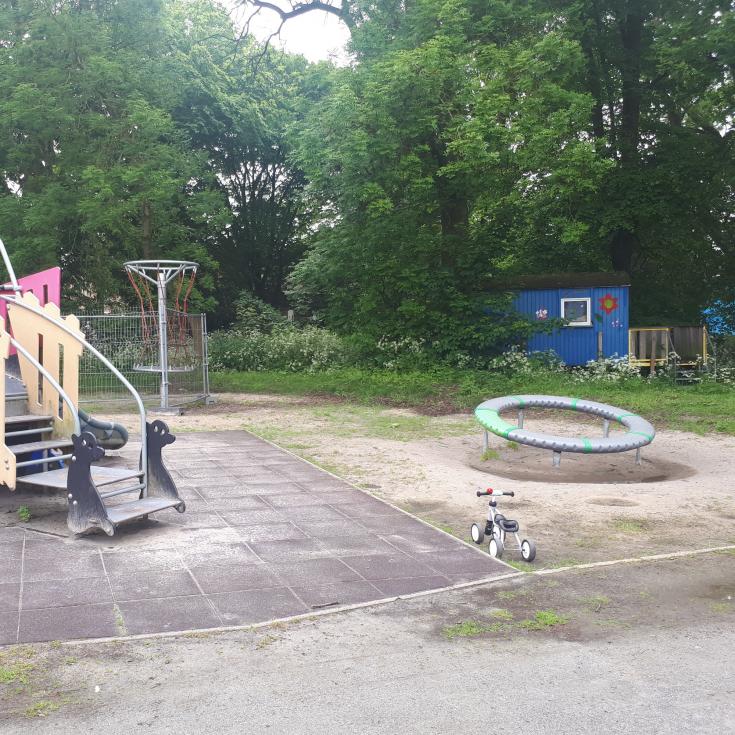 Bild 2: Spielplatz hinter dem Pumpwerk