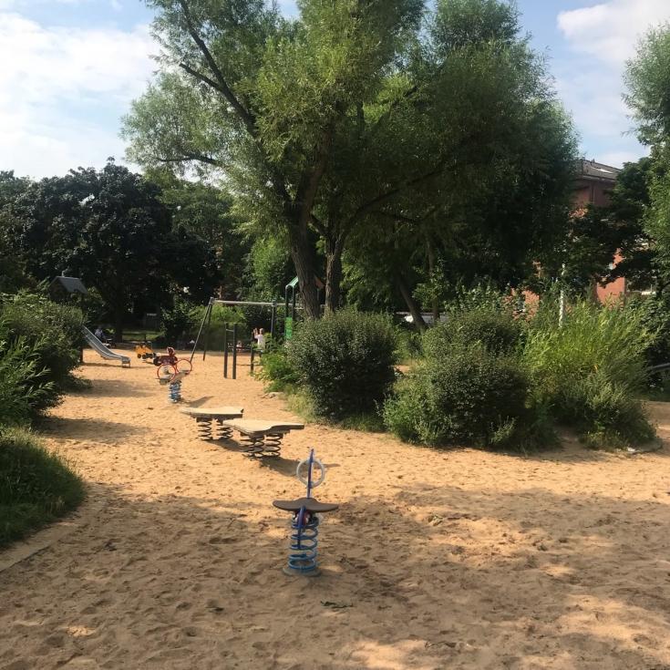 Bild 3: Spielplatz im Böckingpark