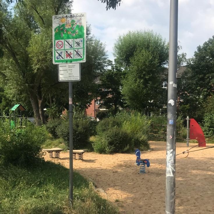 Bild 4: Spielplatz im Böckingpark