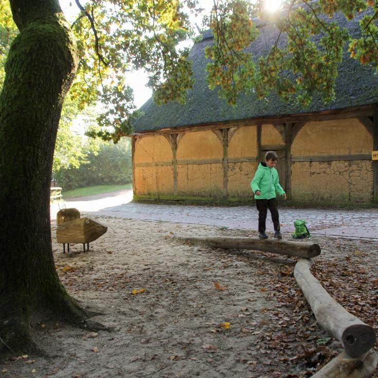 Bild 4: Spielplatz im Freilichtmuseum am Kiekeberg