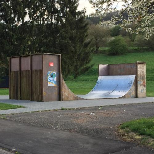 Bild 1: Spielplatz Im Goldenen Tal