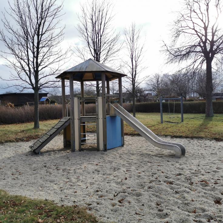 Bild 1: Spielplatz im