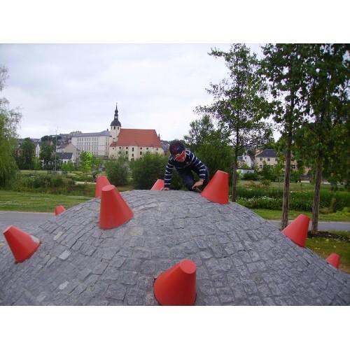 Bild 2: Spielplatz im Park der Generationen
