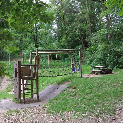 Bild 1: Spielplatz Im Silberwald
