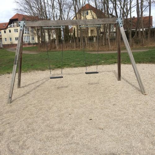Bild 3: Spielplatz im Stadpark