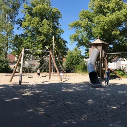 Bild 1: Spielplatz im Stadtgarten