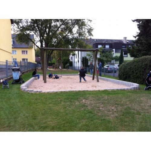 Bild 1: Spielplatz Hauptstraße