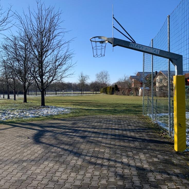 Bild 4: Spielplatz in der Au