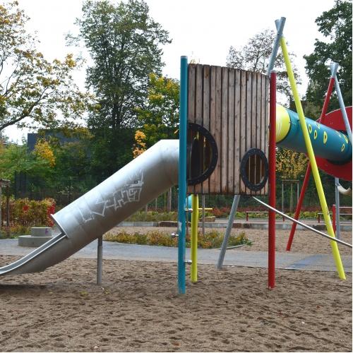Bild 1: Spielplatz Eidelstedter Weg